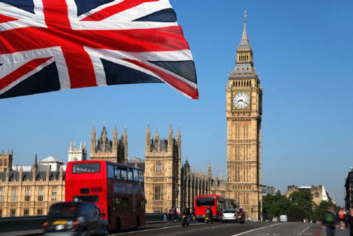 بريطانيا مستعدة لتوجيه ضربات للمتشددين في ليبيا وسوريا