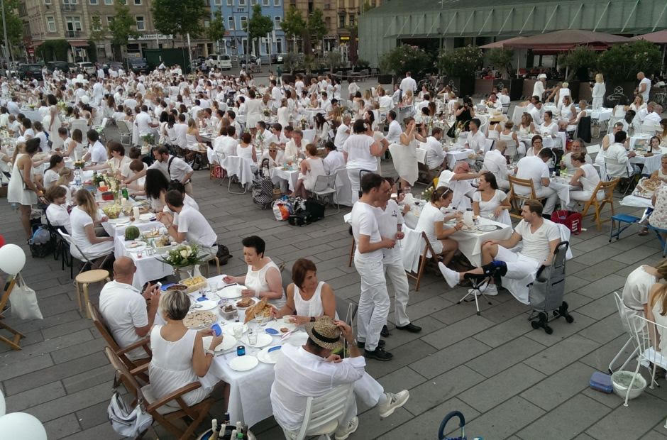 ليلة العشاء الابيض منهايم المانيا