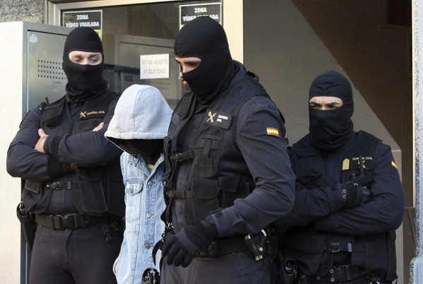 اسبانيا والمغرب يعتقلا 14 شخص يشتبه أن لهم علاقة بداعش