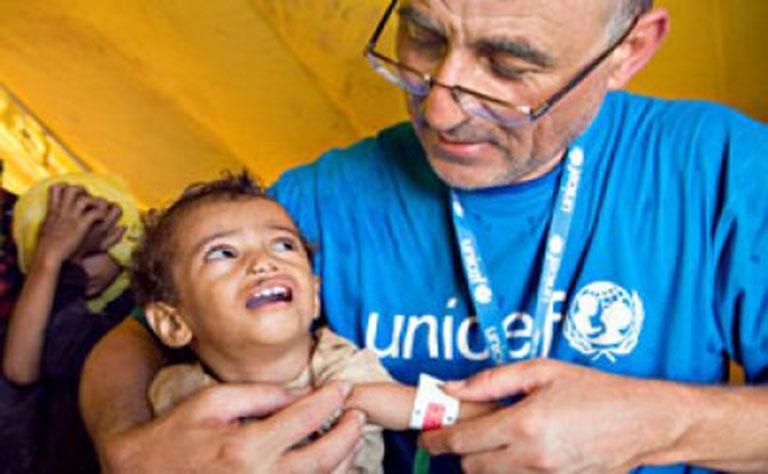 اليونسيف تحذر من تفاقم الوضع الصحي و الأنساني  في اليمن