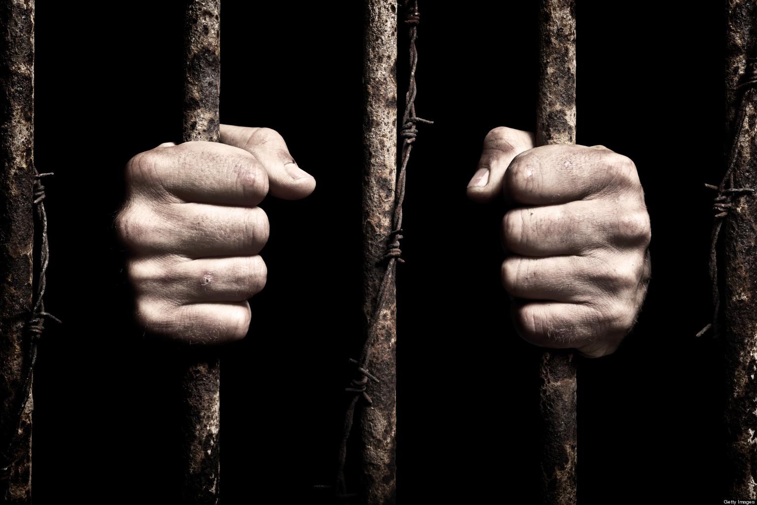 غموض في حالات وفاة معتلقين في السجون الليبية