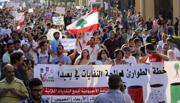 مظاهرات بيروت تمنح  72 ساعة للإستجابة لمطالبها