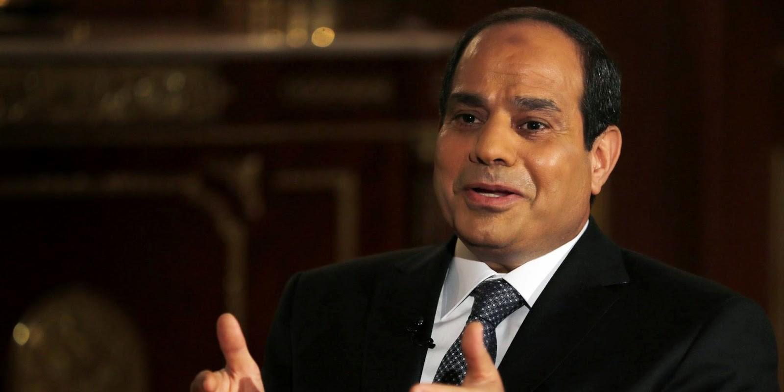 السيسي يصدر عفواً عن مساجين بينهم صحفي الجزيرة و ناشطون آخرون