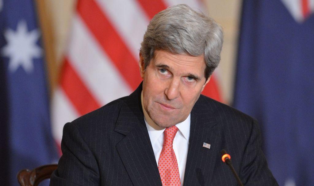 كيري يُعرب عن قلق واشنطن حيال الوجود العسكري الروسي في سوريا