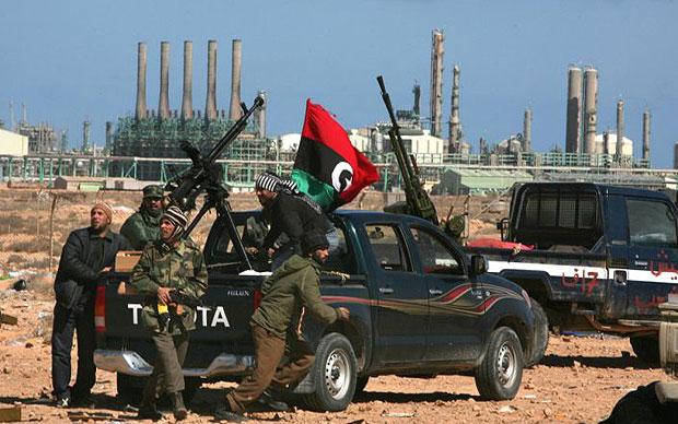 مقاتلوا داعش في ليبيا يهاجمون بوابة ميناء السدرة النفطي