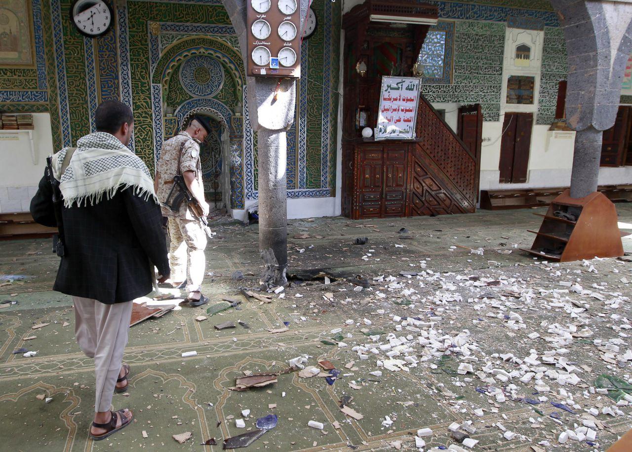 هجوم انتحاري في صنعاء يتبناه تنظيم الدولة الإسلامية