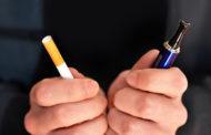 أطباء بريطانيون يدعون للترويج للسجائر الإلكترونية لمساعدة المدخنين على الإقلاع