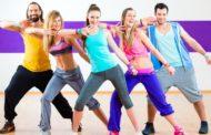 دراسة تكشف أن الرقص والسباحة تطول العمر