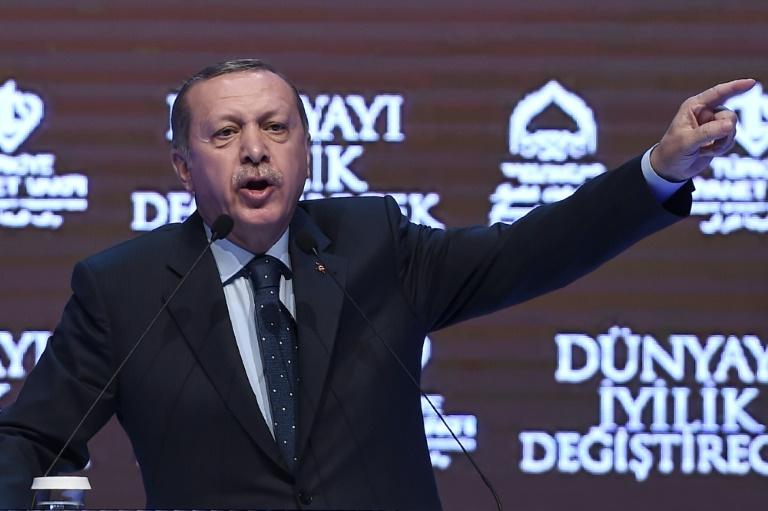 اردوغان يندد بحملة صليبية ضد الاسلام بعد قرار القضاء الاوروبي حول الحجاب