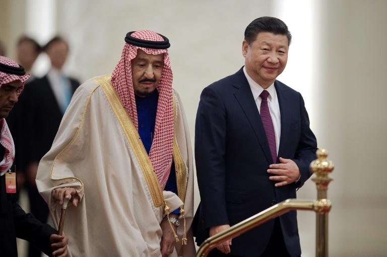 السعودي والصين توقعان اتفاقات بمليارات الدولارات