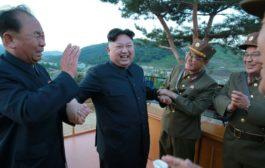 كوريا الشمالية تجري تجربة نظام جديد مضاد للطيران بإشراف زعيمها كيم جونغ-اون