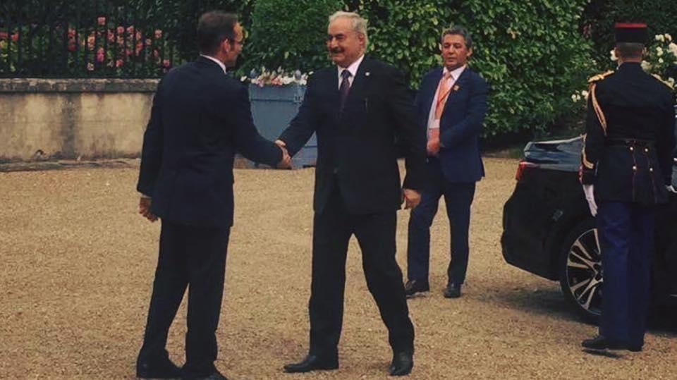 هل سيصلح لقاء ماكرون بقطبي الصراع الليبي السراج و حفتر في باريس ما افسده ساركوزي عام 2011 2