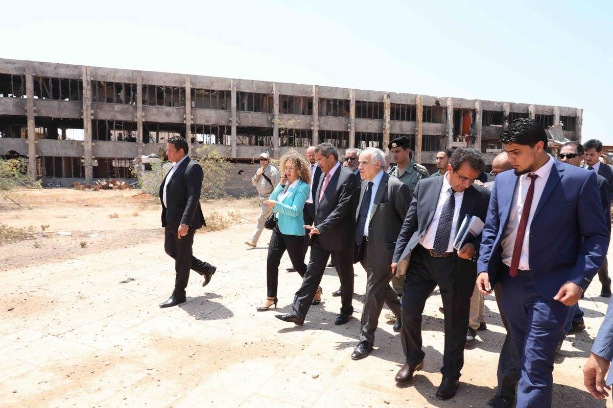 المبعوث الأمم إلى ليبيا غسان سلامة يزور بنغازي و ويجتمع بعميد بلديتها11