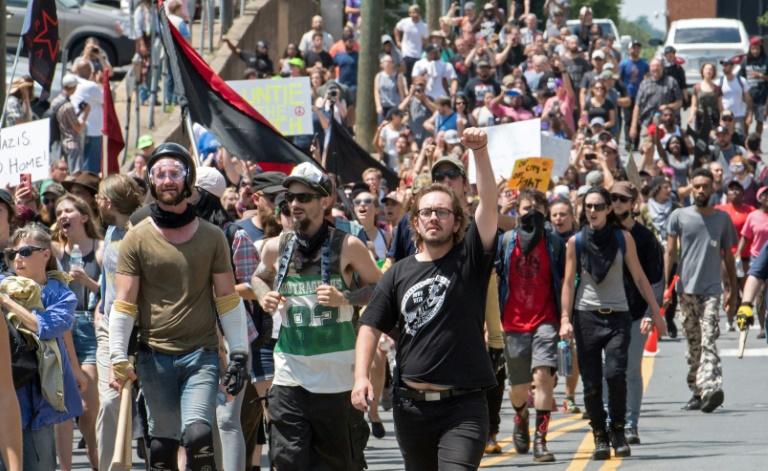 عنف خلال تجمع لليمين المتطرف في شارلوتسفيل وانتقادات لترامب1