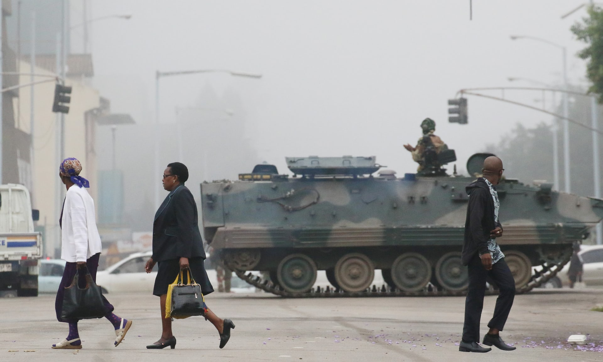 صدمة في زيمبابوي وغموض حول مستقبل موغابي1