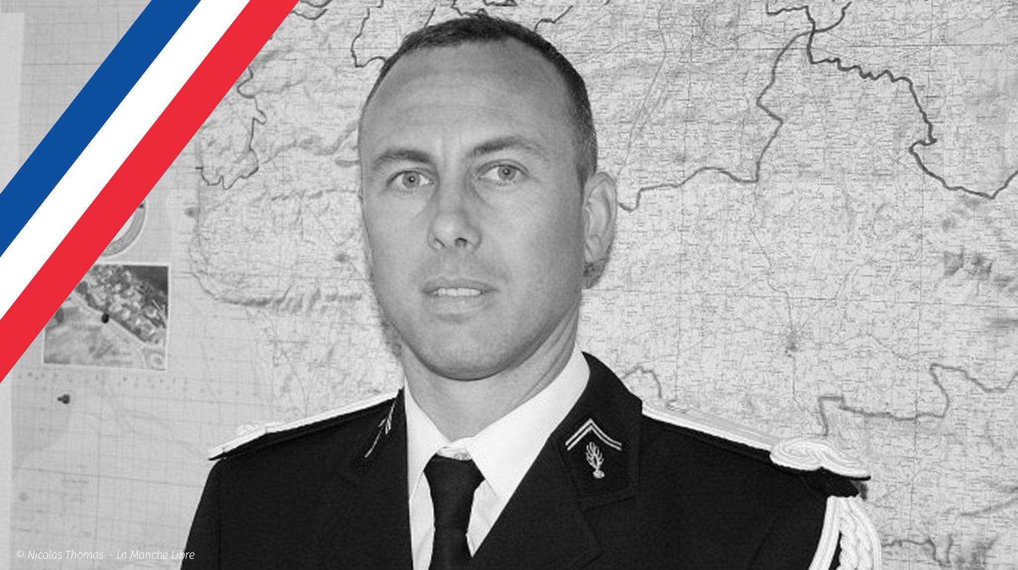 وفاة الشرطي الفرنسي الذي حل محل رهينة خلال هجوم الجمعة